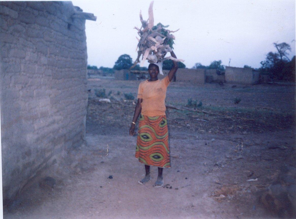 Corvée de bois à Kouli
